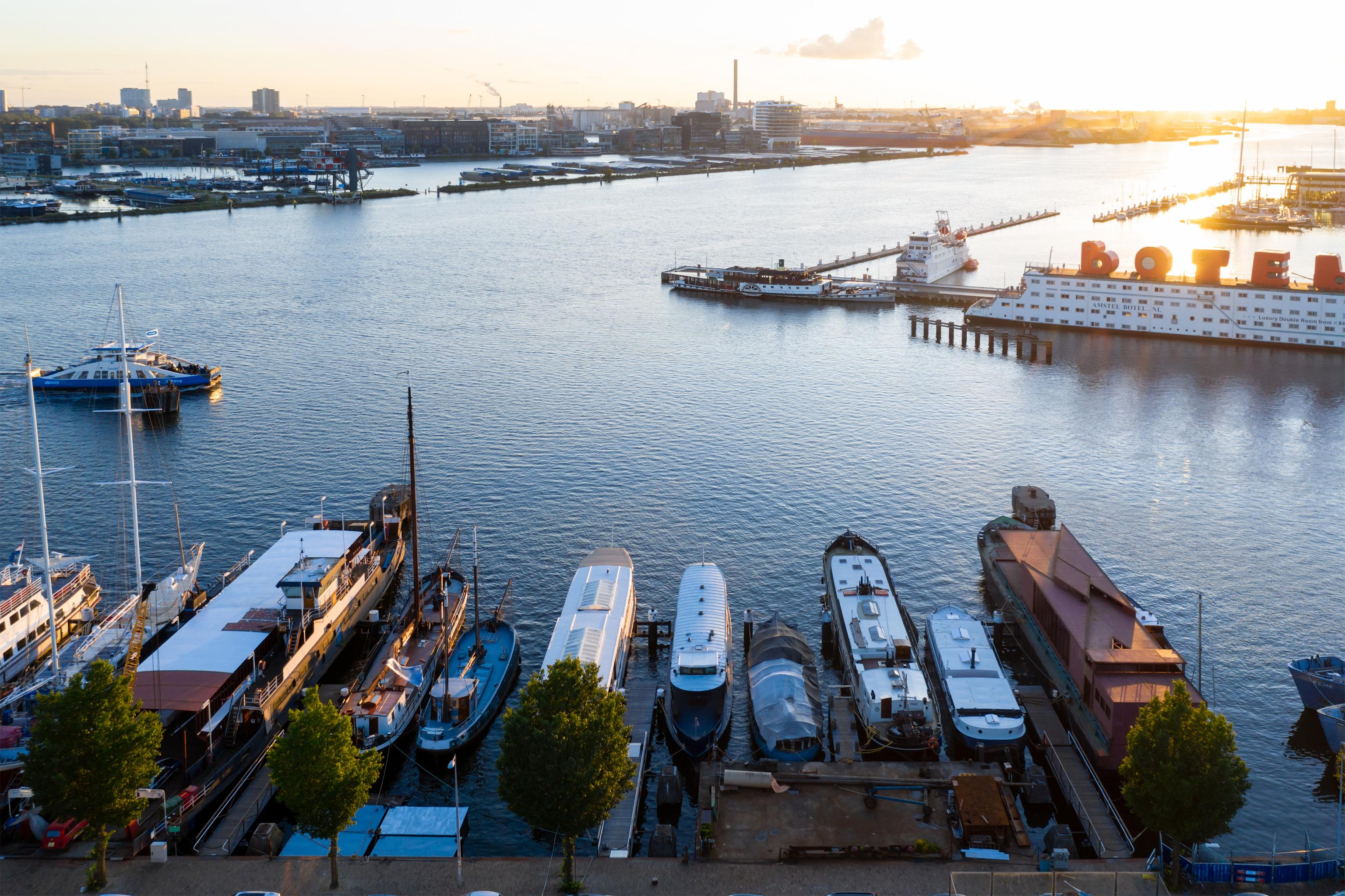 Visual 21 Floating Pavilion in Amsterdam zU-studio